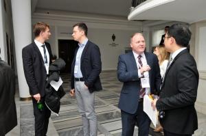 Międzynarodowy Turniej Negocjacyjny WNR rozmowy w kuluarach